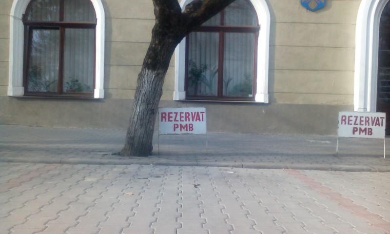 panou rezervat primariei